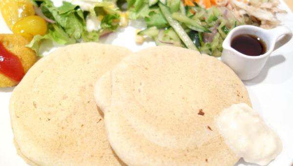 砂糖不使用のソバ粉パンケーキ