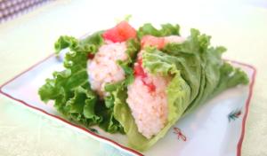 オーガニックトマト&レタスの【サラむすび(サラダ兼おむすび)】の作り方