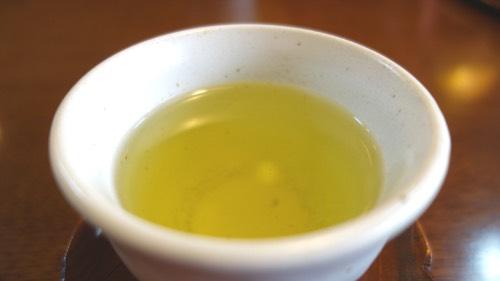 伏流水のお茶