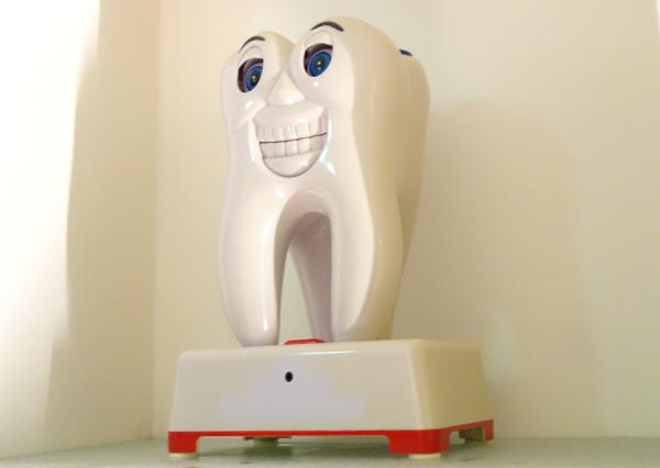 歯列矯正中です