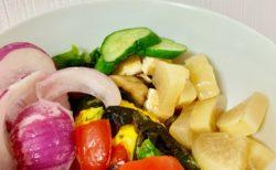 冷蔵庫にあった野菜全部丼(宅配野菜が届く前日丼とも言う)