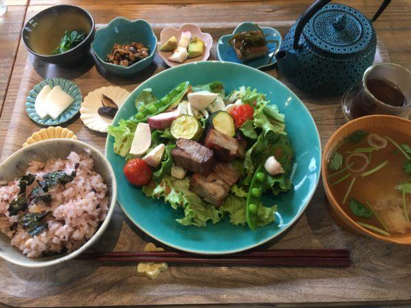 表参道で自然派オーガニックランチ@くれは食堂(自家製ブレンド納豆が特に最高!)